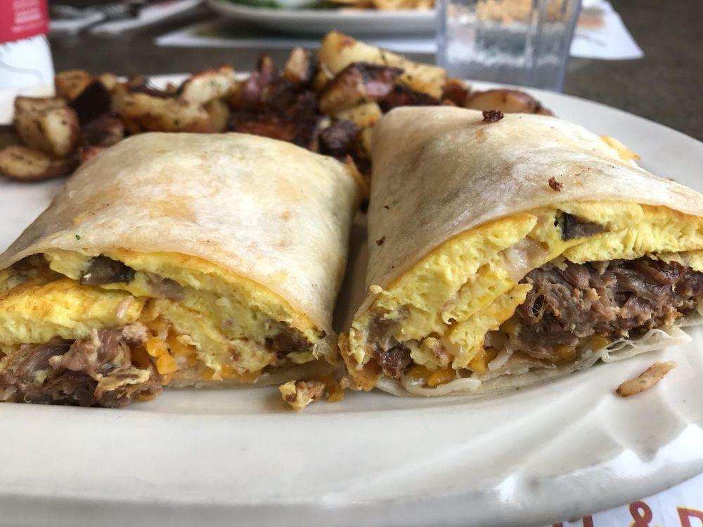 Hi-Lo Cafe: 88 S Weed Blvd, Weed, CA