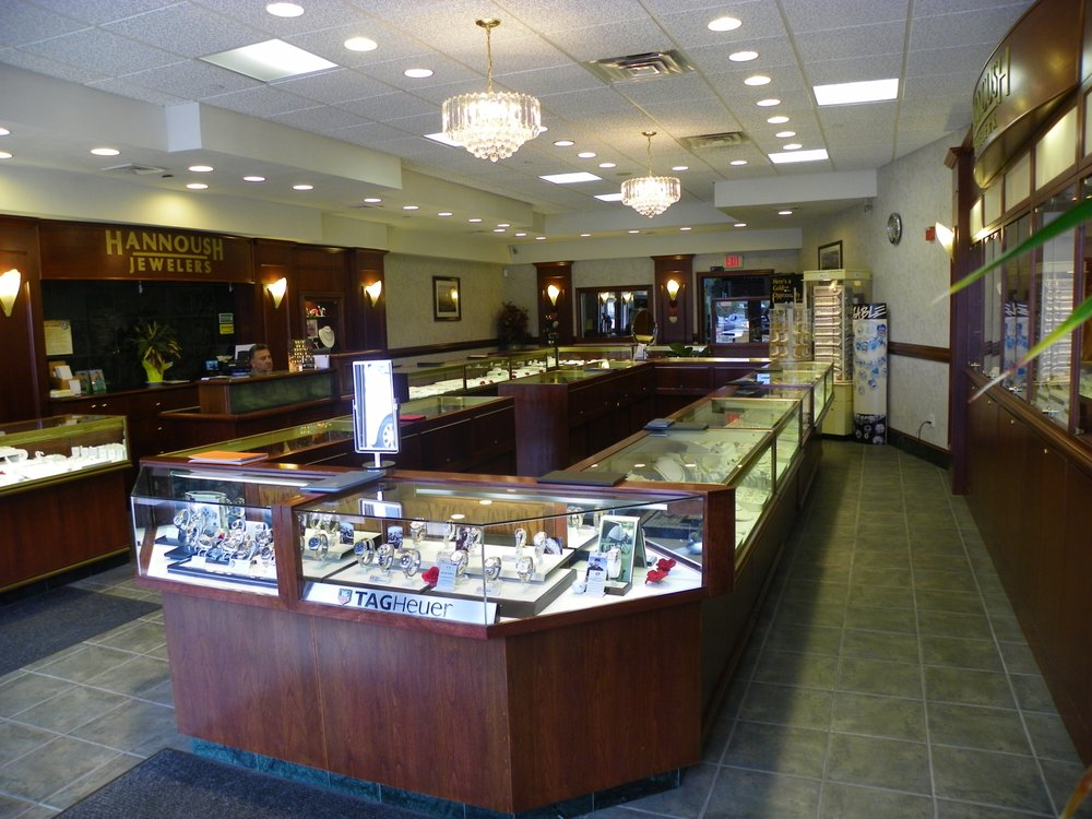 Hannoush Jewelers: 950 S Willow St, Manchester, NH
