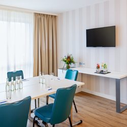 Hotel NH Berlin Alexanderplatz - 55 Photos & 29 Reviews