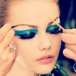 London eyes makeup school