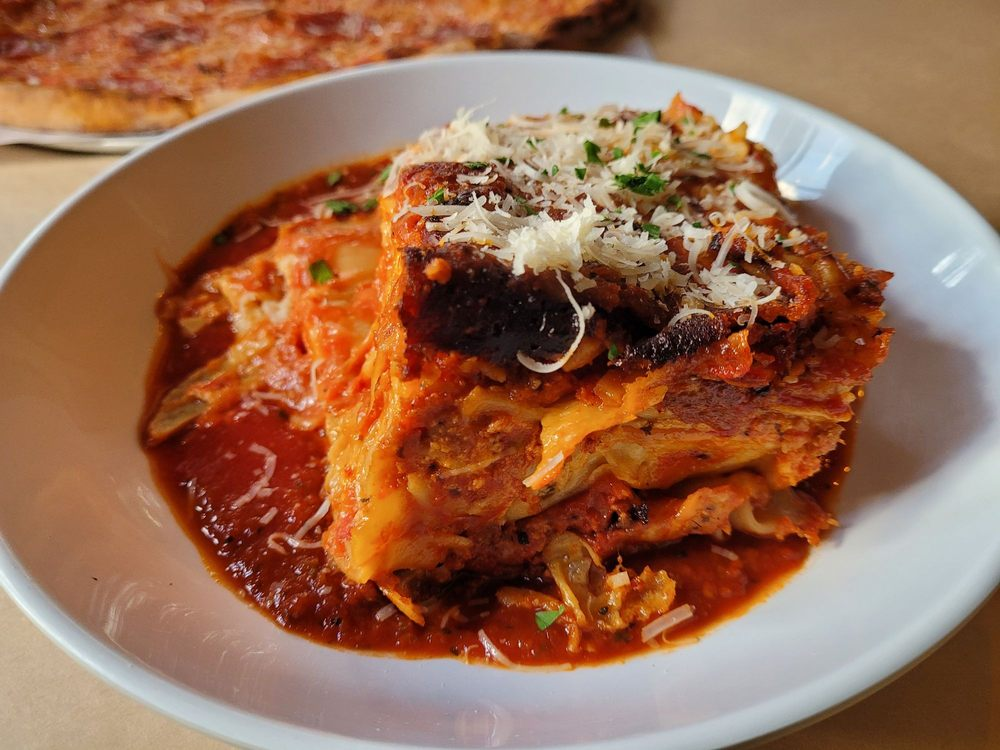 The little Italian Place: 2530 Pleasant Valley Rd, Placerville, CA