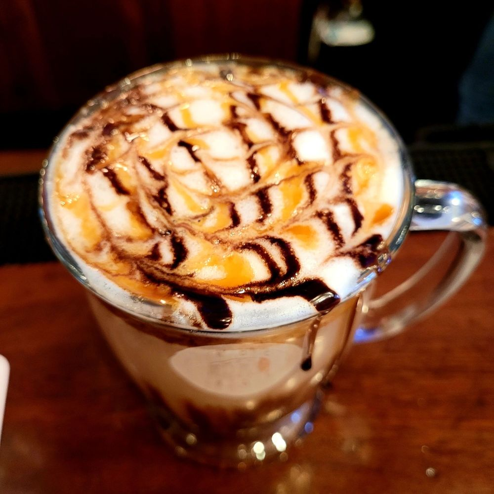 Dini's Martinis And Desserts: 118 Front St, Swansboro, NC