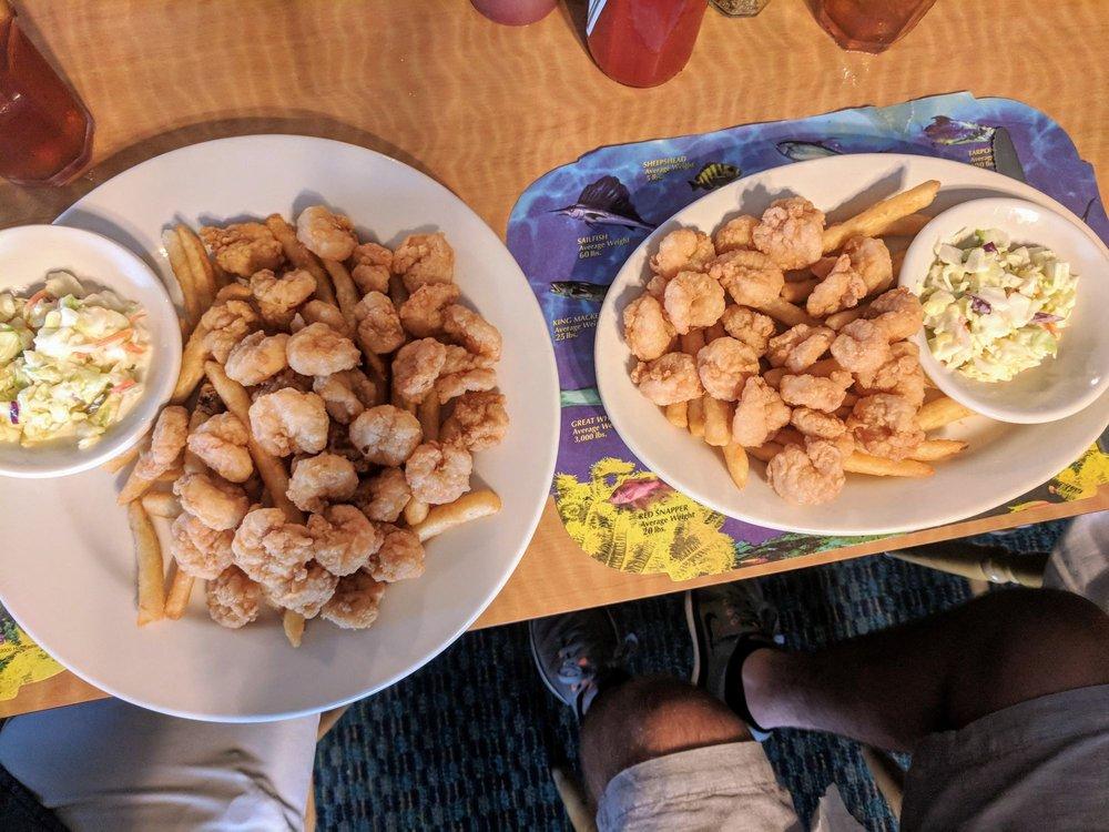Breezeway Restaurant: 634 Channel Blvd, Topsail Beach, NC