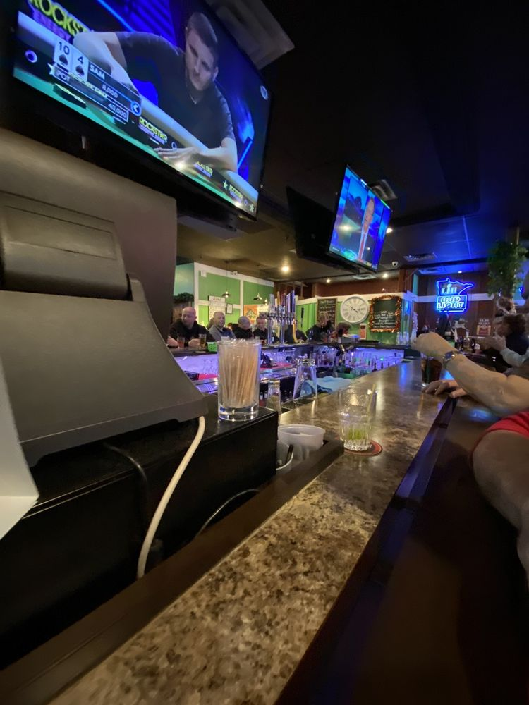 Quinny's Sports Pub and Grill: 3140 Century Ave N, Saint Paul, MN