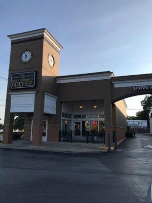 671979247f4 Photo of Heine Brothers  Coffee - Gardiner Lane Shopping Center -  Louisville