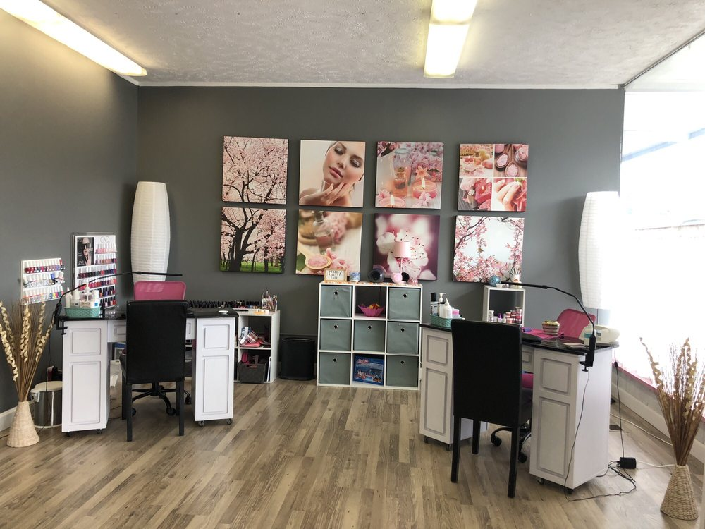 Polished Nail Boutique: 1134 E Eighth St, Traverse City, MI
