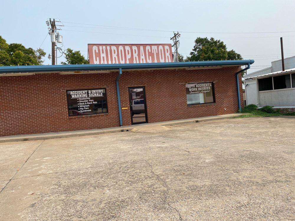 Bledsoe Chiropractic: 509 N Main St, Bristow, OK