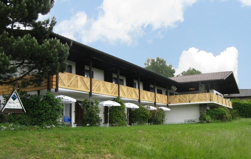hotel haus am berg pensionat alte frahelser str 2 lam bayern tyskland telefonnummer yelp. Black Bedroom Furniture Sets. Home Design Ideas