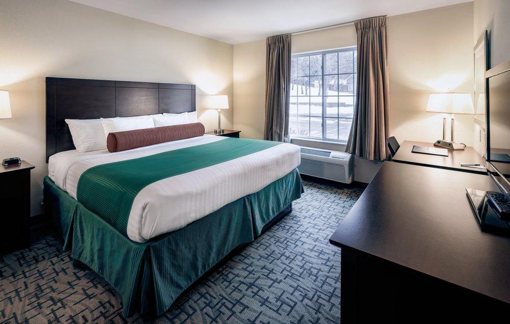 Cobblestone Inn & Suites - Durand: 325 W Prospect St, Durand, WI
