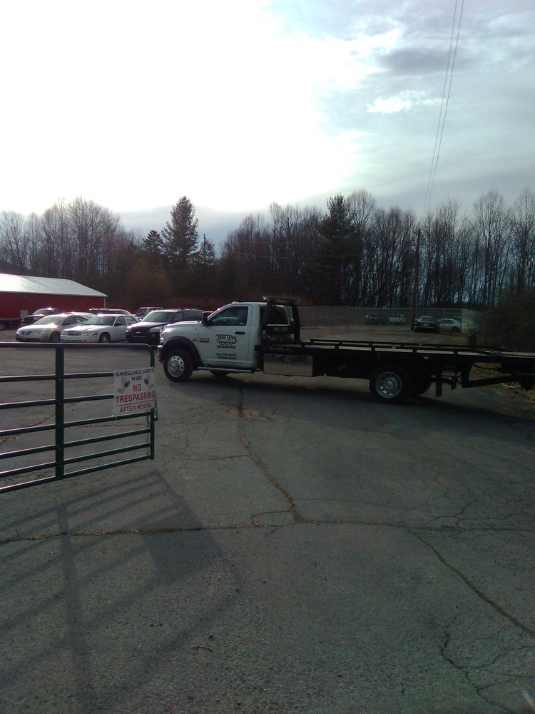 Tow Pro Towing: 3812 Airport Rd, Bluefield, WV