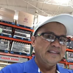 What types of frames does Costco Optical sell?