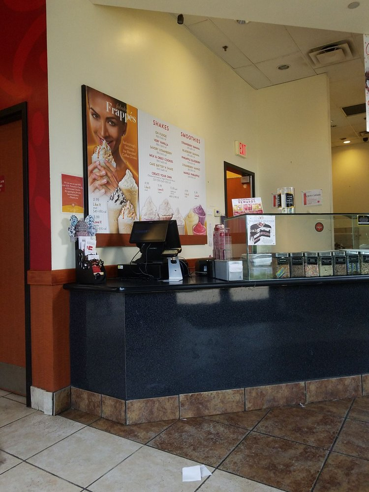 Cold Stone Creamery: 5860 Harbour View Blvd, Suffolk, VA