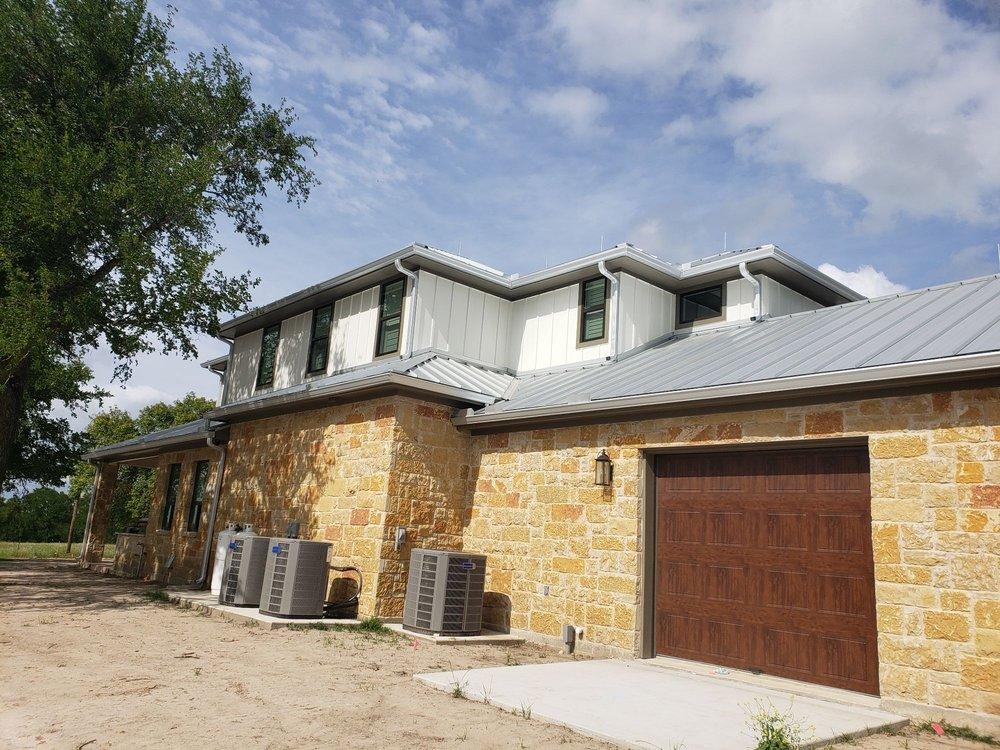 Alfaro Rain Gutters: San Antonio, TX