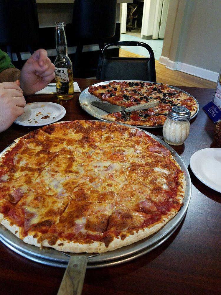 Big Ry's Pizzeria: 27574 Hwy Y, Rocky Mount, MO