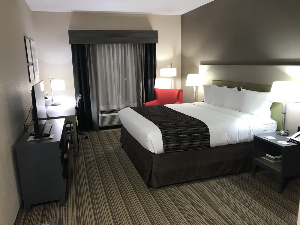 Country Inn & Suites: 4015 SW 43rd St, Gainesville, FL