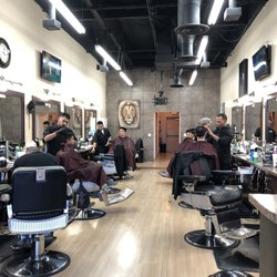 the mane barber shop 100 photos 206 reviews barbers 5135 s