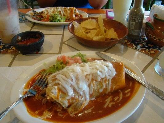 Yoly s mexican grill mexikansk mat 6611 arlington ave for Angel thai cuisine riverside ca