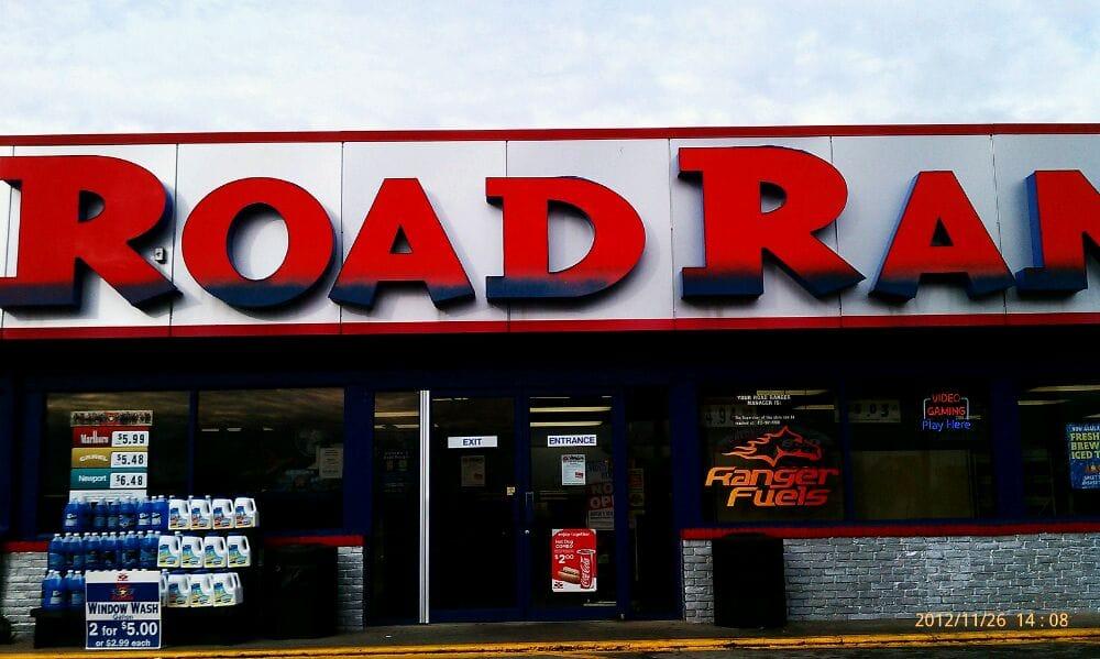 Road Ranger: 1112 E Southline Rd, Tuscola, IL