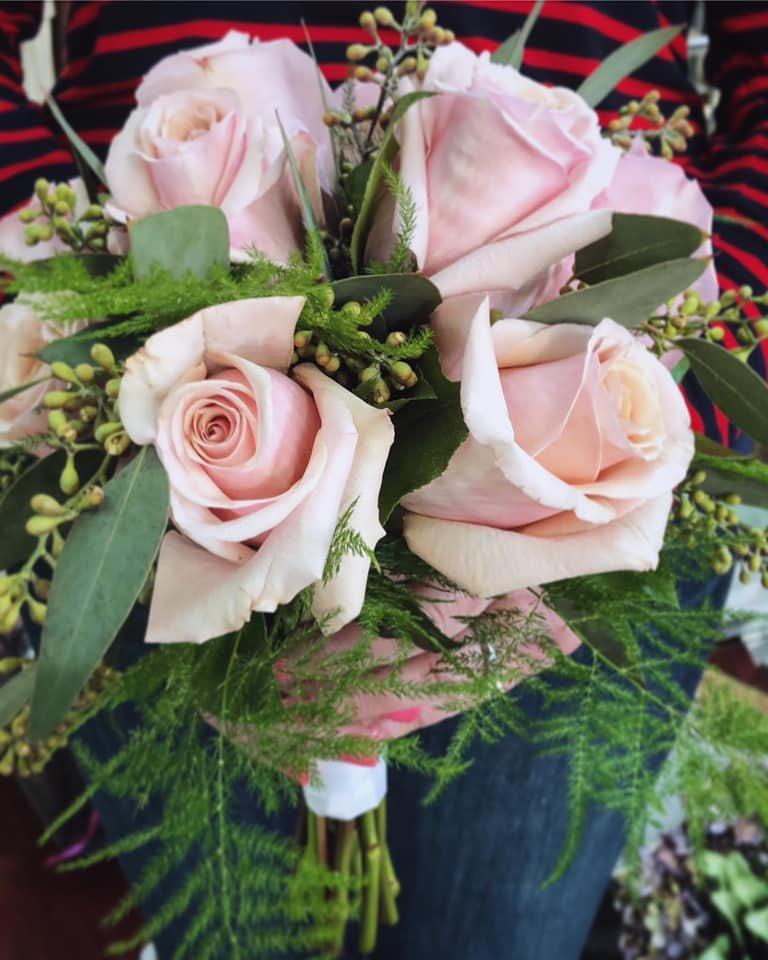 Carriage Flowers & Gifts: 117 N Parking Pl, Lake Jackson, TX