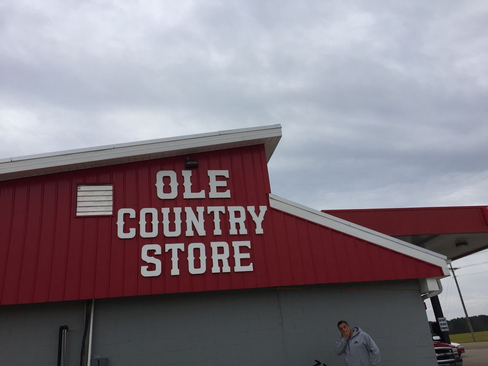 Ole Country Store: 126 2nd St, Belmont, MS