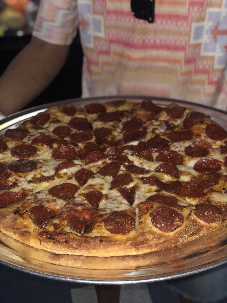 Tony's Pizza: 1806 Cecil Ave, Delano, CA