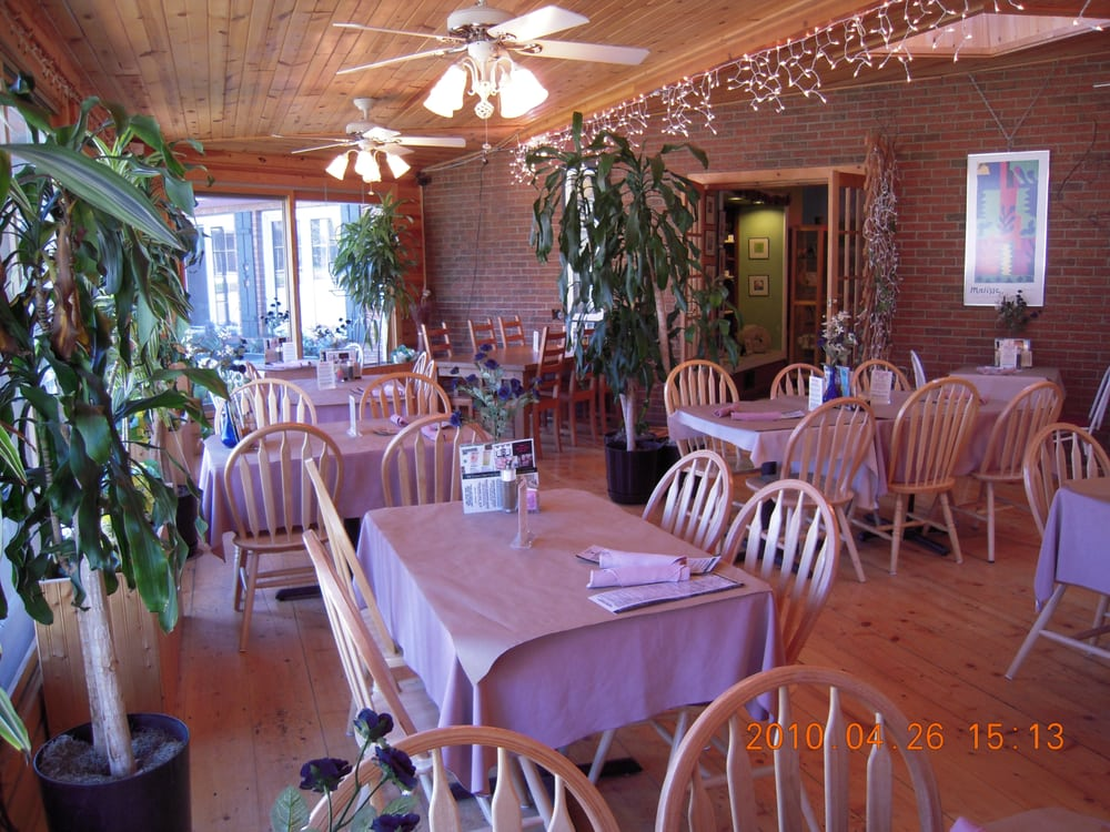The Casual Chef Café & The Pumpernickel Inn: 16090 Red Arrow Hwy, Union Pier, MI