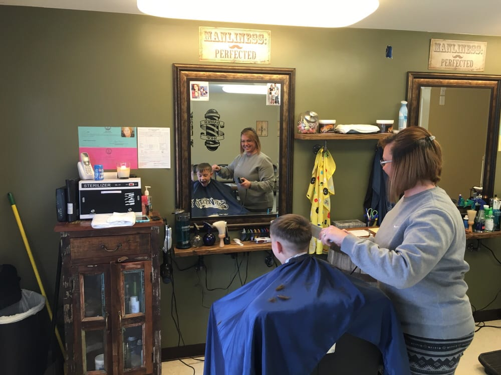 County Line Barbers: 7626 W Highway 146, Pewee Valley, KY