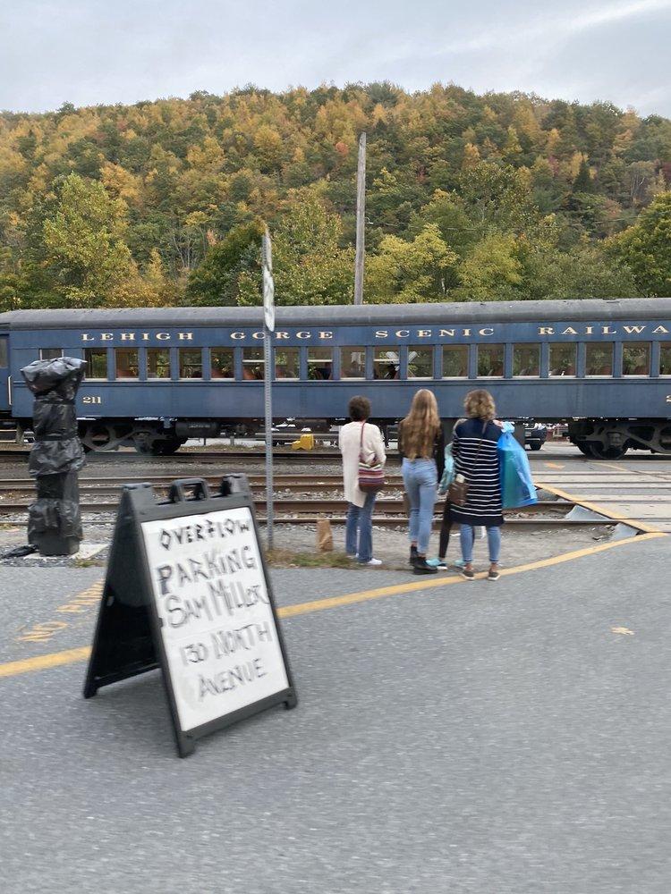 Photo of Lehigh Gorge Scenic Railway: Jim Thorpe, PA