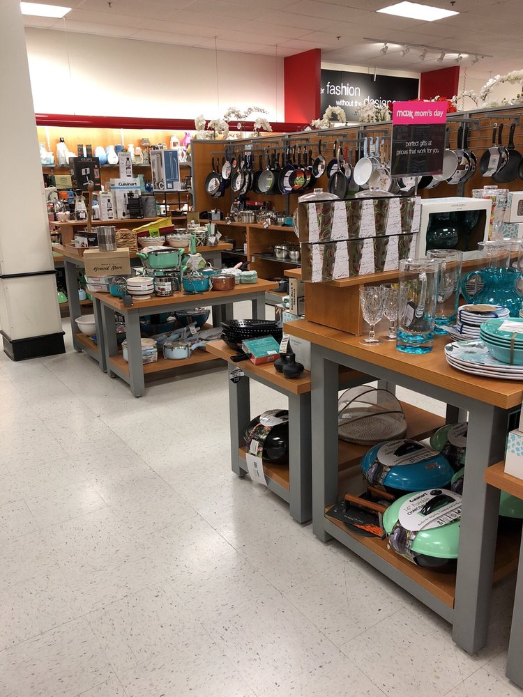 T.J. Maxx: 277 Commerce Ave, Manteca, CA