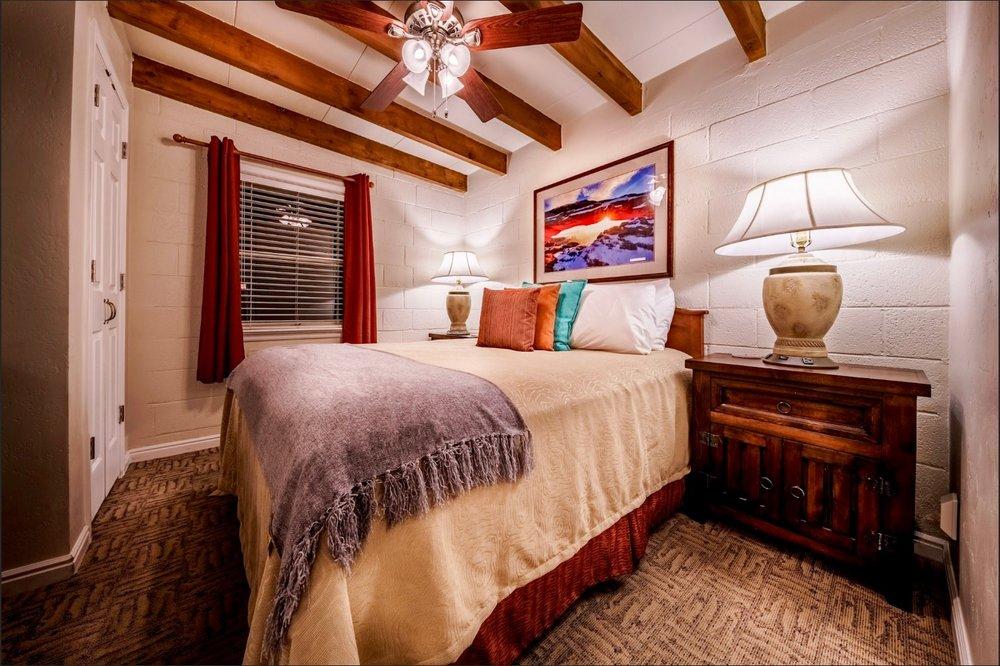 Stone Lizard Lodge: 88 W Center St, Blanding, UT