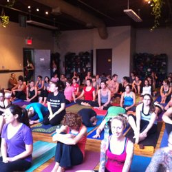 Yoga to the People - 25 Photos & 151 Reviews - Yoga - 211 N 11th St