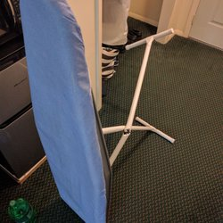 Photo Of Red Carpet Inn U0026 Suites   Plymouth, NH, United States. Broken