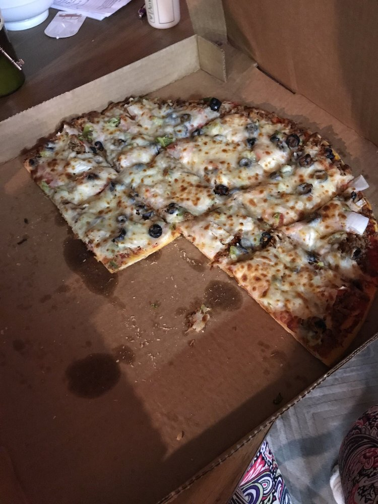 Pizza House: 11 N Main St, Cicero, IN