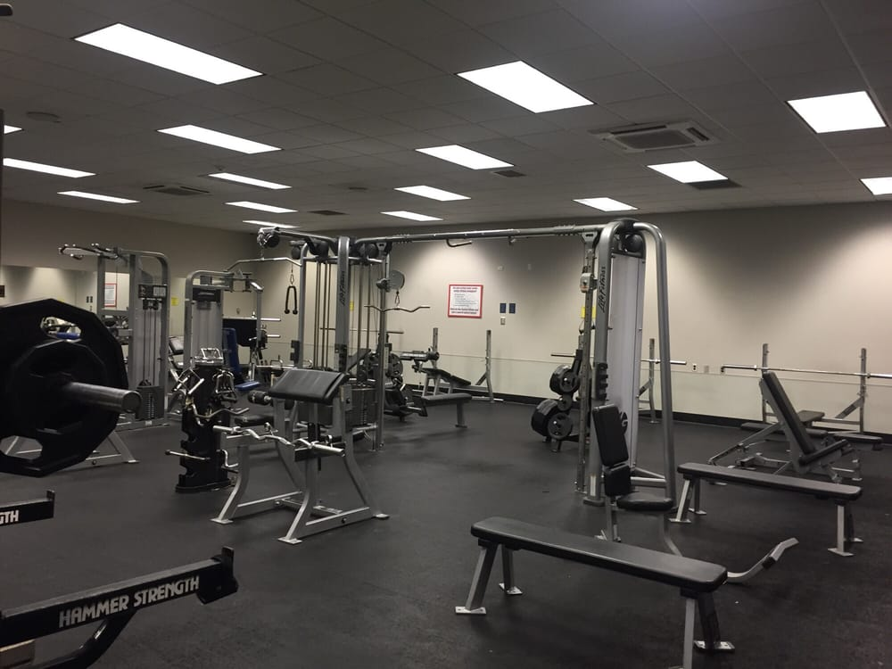 Columbus AFB Gym: Simler Ave, Columbus, MS