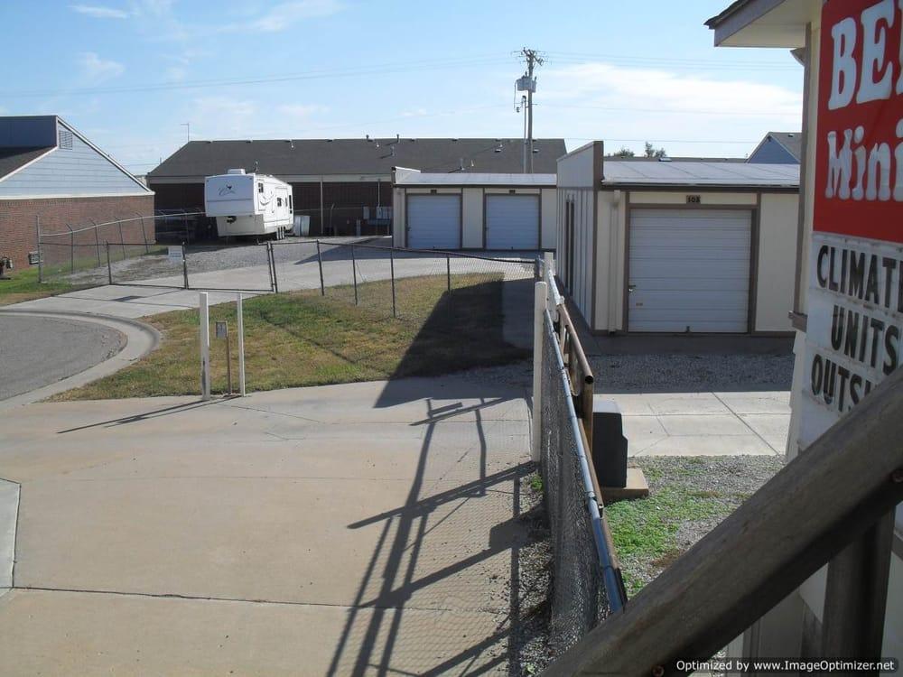 Bel Aire Mini-Storage: 4041 N Woodlawn Ct, Bel Aire, KS
