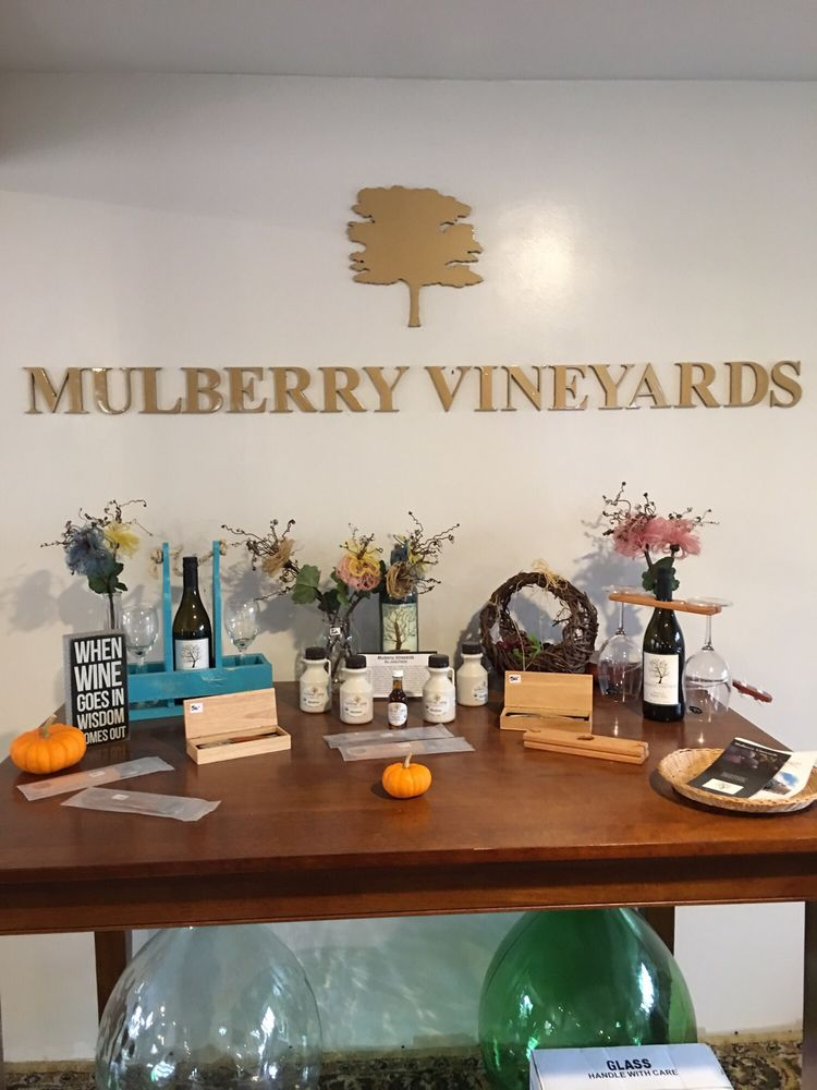 Mulberry Vineyard: 95 Pound Rd, Glocester, RI