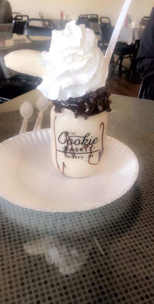 Cookie Basket: 106 E Market Ave, Searcy, AR