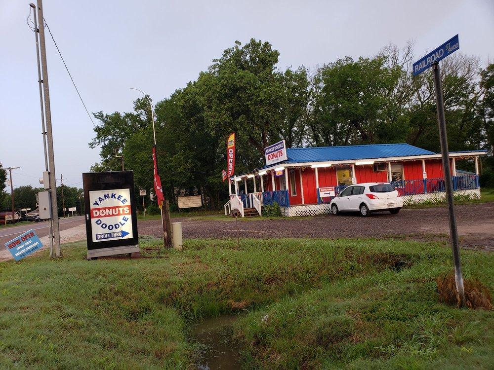 Yankee Doodle Donuts: 19509 Hwy 30, Shiro, TX