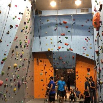 mphc climbing gym 42 photos 12 reviews climbing 482 w 43rd