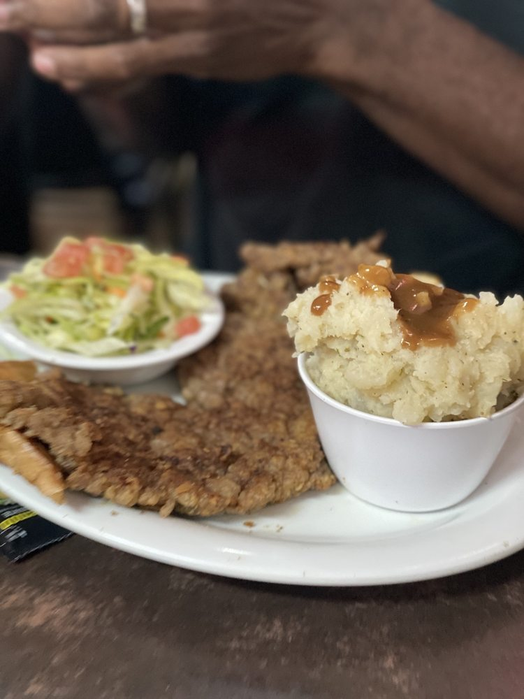 Mary's Cafe: 119 Grant Ave, Strawn, TX