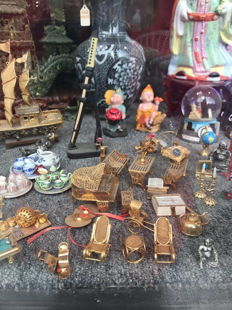 Chinatown Bazaar: 2221 S Wentworth Ave, Chicago, IL