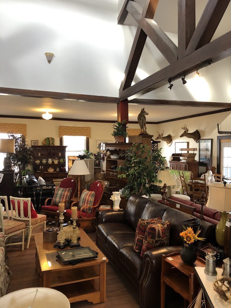 The Furniture Barn of Hendersonville: 119 S Washington St, Hendersonville, NC