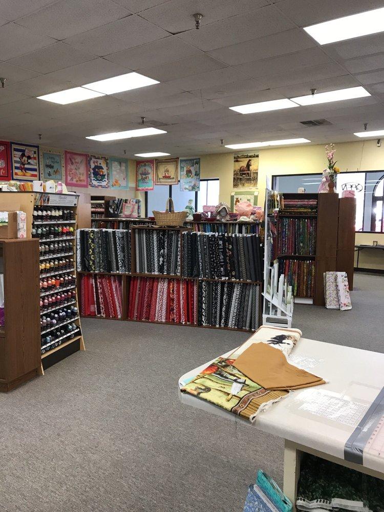 The Quilt Patch: 2221 Jacksboro Pike, La Follette, TN