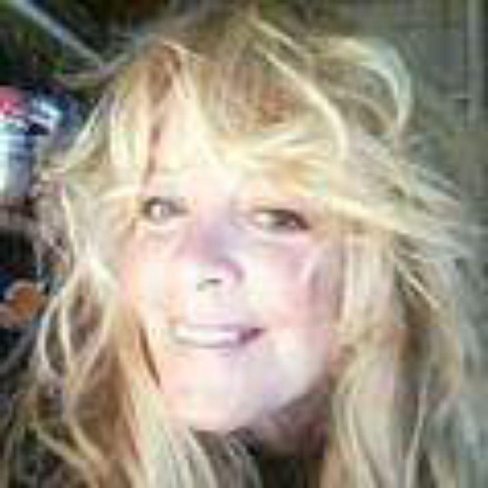 Cyndi Wallace   Intuitive Psychic and Medium: Virginia Beach, VA