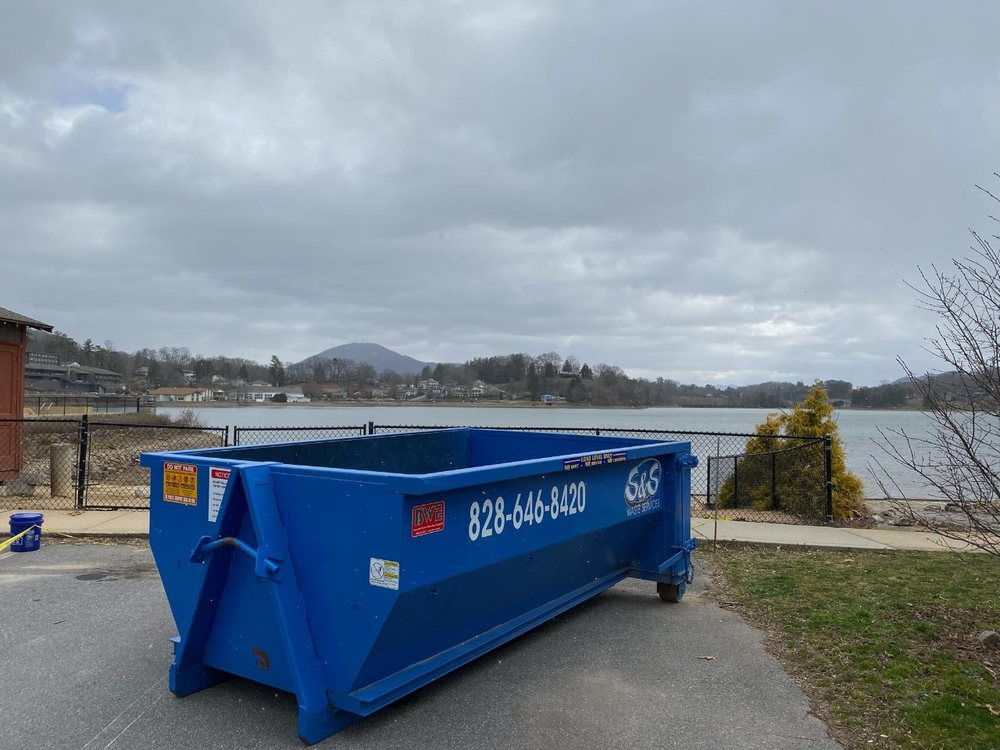 S&S Waste Services: 152 Appletree Ln, Canton, NC