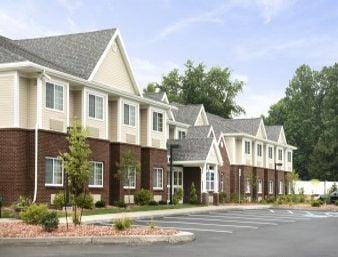 Microtel Inn & Suites By Wyndham Mineral Wells/Parkersburg: 94 Old Nicolette Road, Mineral Wells, WV