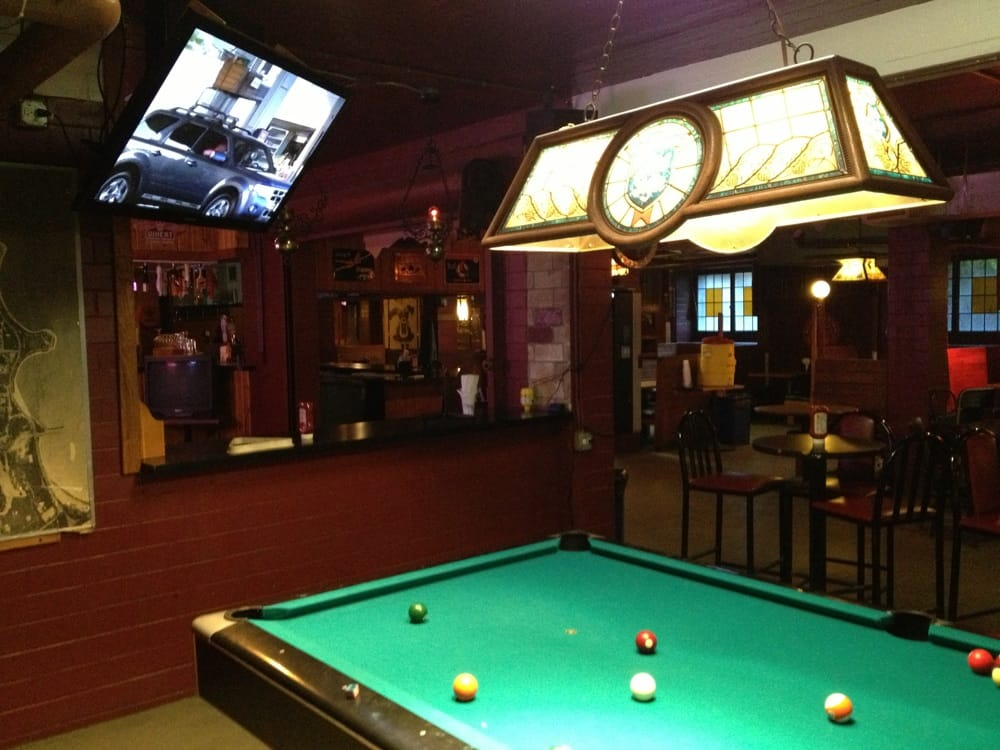Chicago University S Very Own Pub Free Pool Tables Good