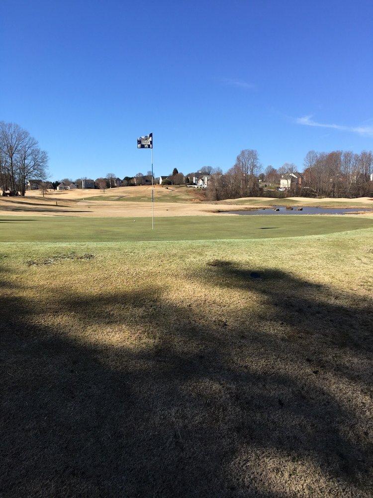 Oak Valley Golf Club: 261 Oak Valley Blvd, Advance, NC