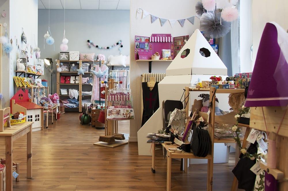 de retour magasin de jouets 12 rue de bienne. Black Bedroom Furniture Sets. Home Design Ideas