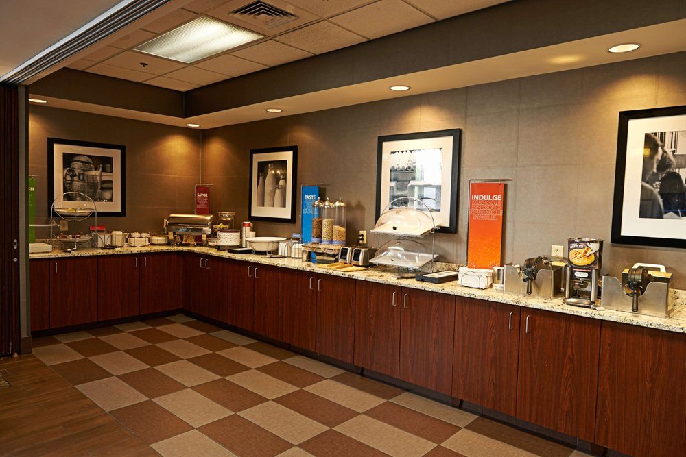 Hampton Inn & Suites Scottsburg: 1535 Mcclain Ave, Scottsburg, IN